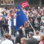 Demonstration mot FRA 2008 - Svensk-kinesisk flagga