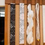 Ett av två besök på väveri: från slkestråd till färdigt silke