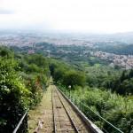 Spår nedför berget