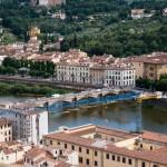 Utsikt mot floden från Palazzo Vecchio